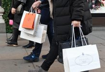 UK consumer confidence drops to six-month low for November
