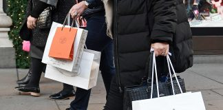 UK retail sales stablise ahead of Christmas - CBI figures
