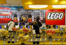 Lego plots store expansion amid profit growth