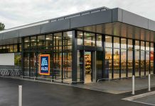Aldi provides face masks for all shop floor staff