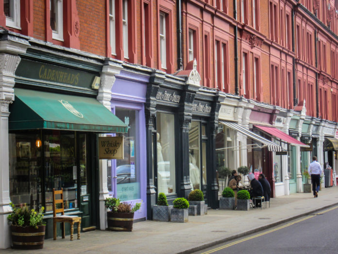 UK footfall drops to lowest level on record