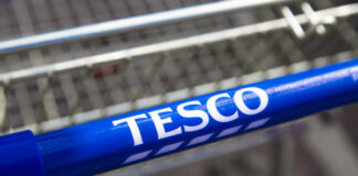 Tesco faces shareholder revolt over CEO's bonus hike