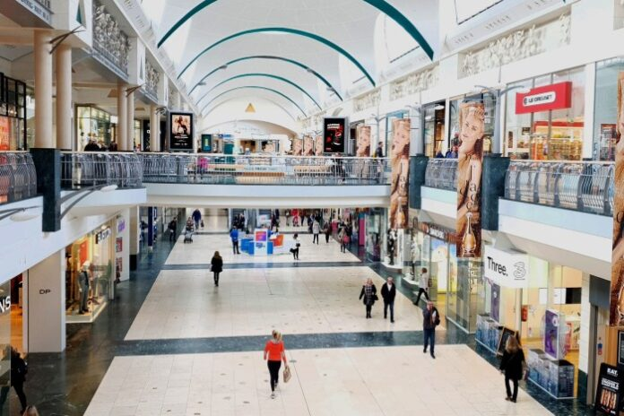 Footfall jumps 40% in reopening day as queues dominate high streets
