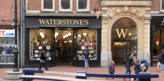 Waterstones prepares to reopen English stores next week