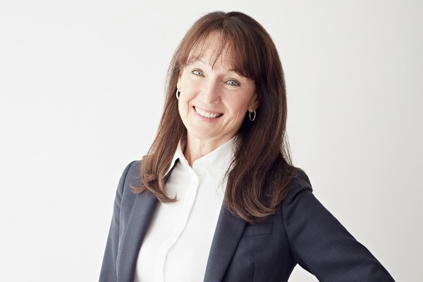 Bernie de Le Cuona, the founder and CEO of de Le Cuona, the luxury fabrics and home furnishing retailer speaks to the Retail Gazette about her owning and running a business amid the coronavirus outbreak.