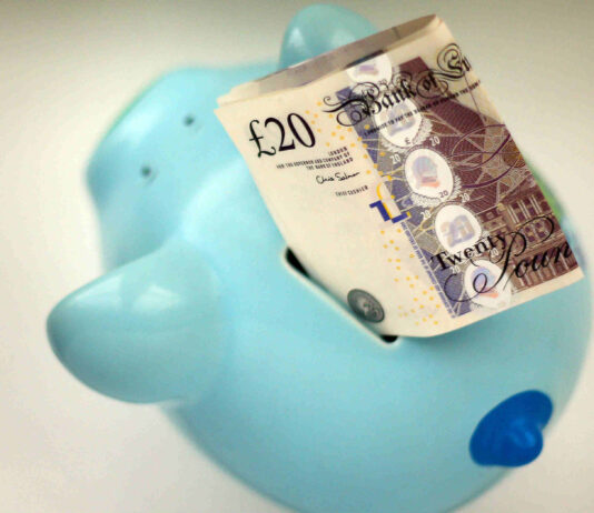 Retailers in line for £1000 bonus for each staff member brought back from furlough
