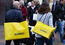 Selfridges announces 450 job cuts