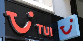 Tui travel lockdown covid-19 store closures