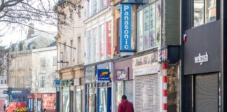 "Labour warns of ""shuttered streets"" without help for retailers"