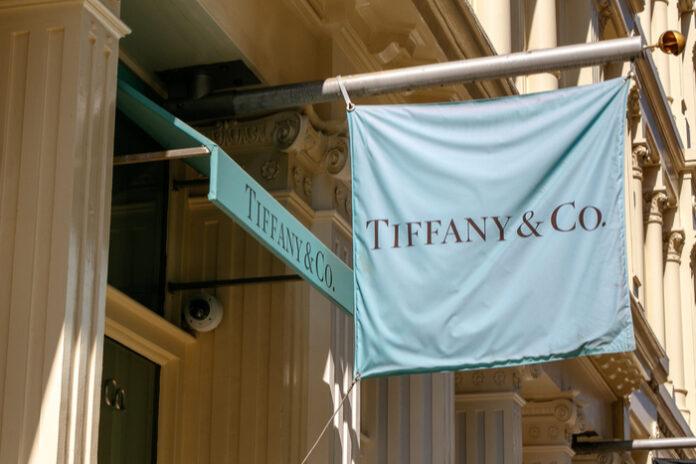 Tiffany & Co LVMH Louis Vuitton deal acquisition