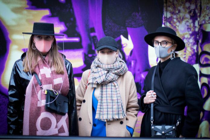 London Fashion Week virtual catwalk covid-19 pandemic