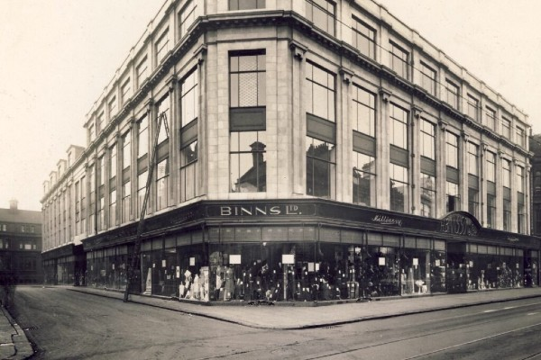 10 department stores that have come and gone over the years, including Binns, Woolwrths, Pauldens, Peter Robinson, Lewis's, BHS.
