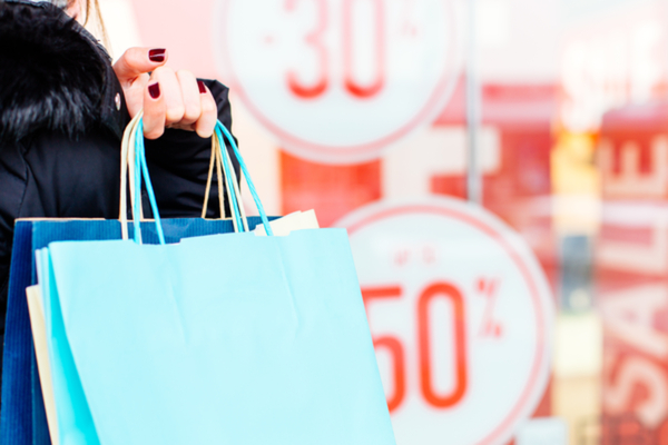 Shoppers turn on to online spending as retail sales rise for fifth month