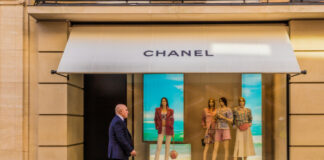 Chanel flagship store covid-19 acquisition