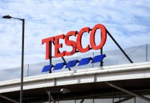Tesco opening hours covid-19 pandemic lockdown Christmas