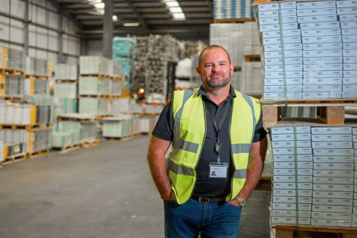 """Jason Ashby comment opinion CEO UK Flooring Direct Covid didn't cause a """"shift"""" to online retail, it just accelerated it"""