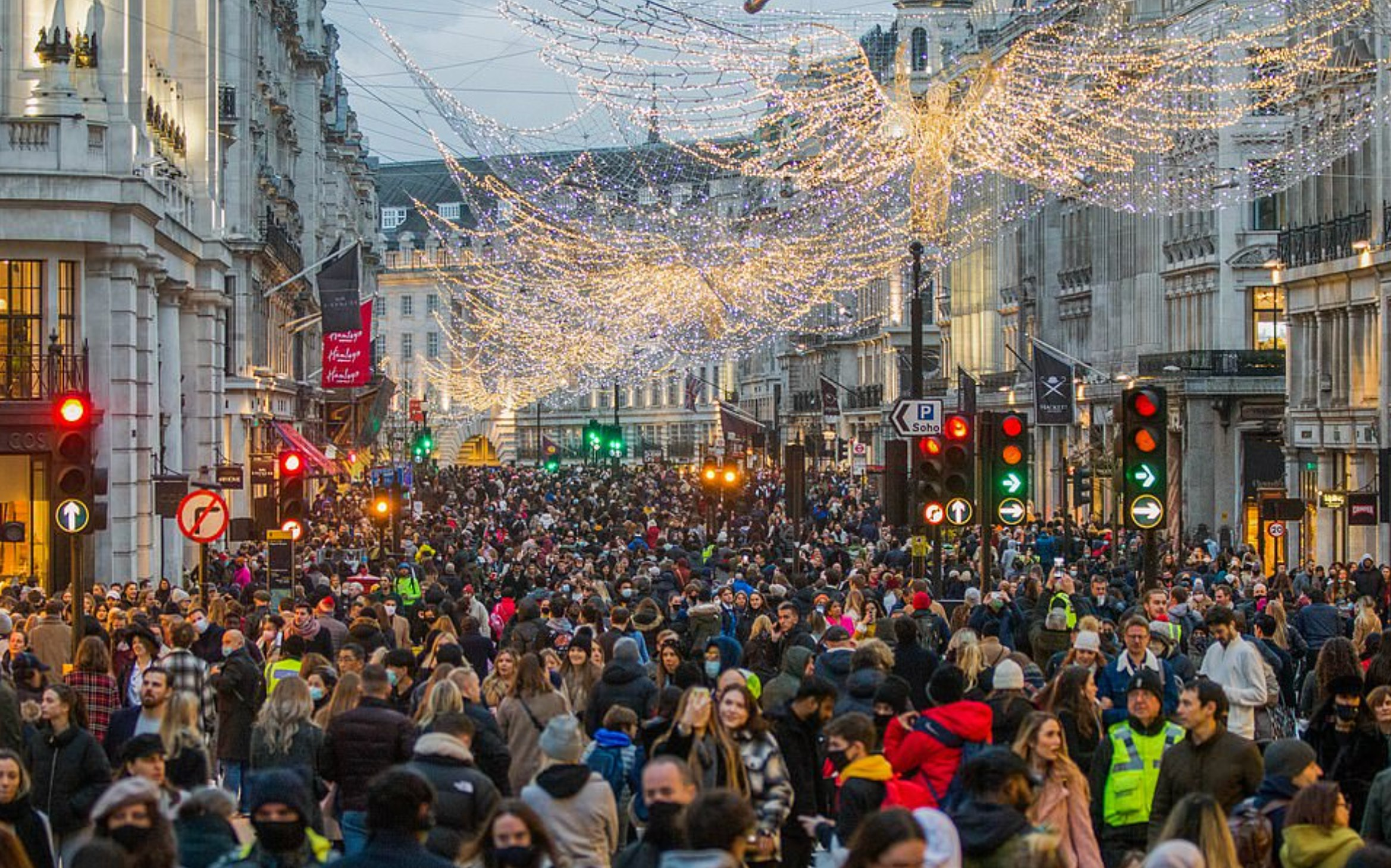 Footfall up almost 20% in first weekend of all of UK out of lockdown