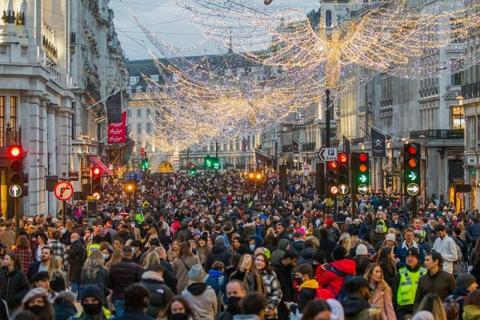 Shoppers flock to high streets in England on 1st Saturday after lockdown lifted