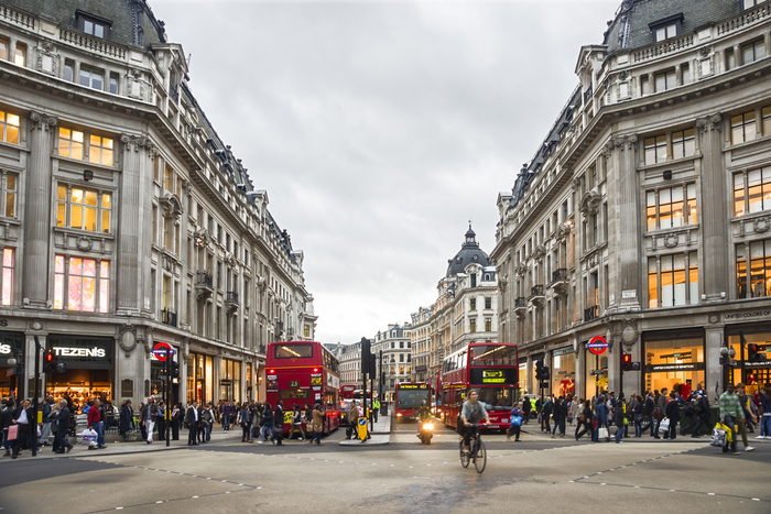 Oxford Street lockdown covid-19 pandemic store closures