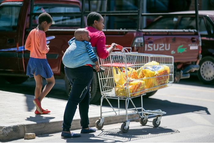Shoprite Spar Pick n Pay Woolworths Massmart Walmart covid-19 pandemic lockdown