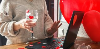 Valentine's Day globaldata covid-19 pandemic lockdown store closures online shopping
