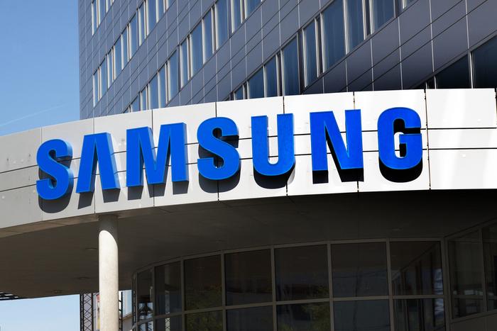 James Kitto Samsung S21 Galaxy Buds online shopping covid-19 pandemic lockdown KX