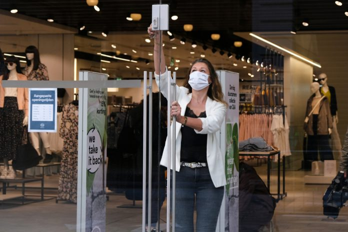 Online shopping covid-19 pandemic lockdown reopening