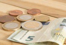 Statutory minimum wage rate increases 2.2%