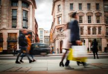 Consumer confidence rebounds to pre-lockdown levels