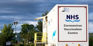 """Grocery carparks & shopping centres among """"grab a jab"""" vaccination sites this weekend"""