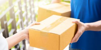 The number of temporary delivery drivers has fallen by more than a quarter as thousands of workers return to their pre-pandemic jobs in retail, new research suggests.