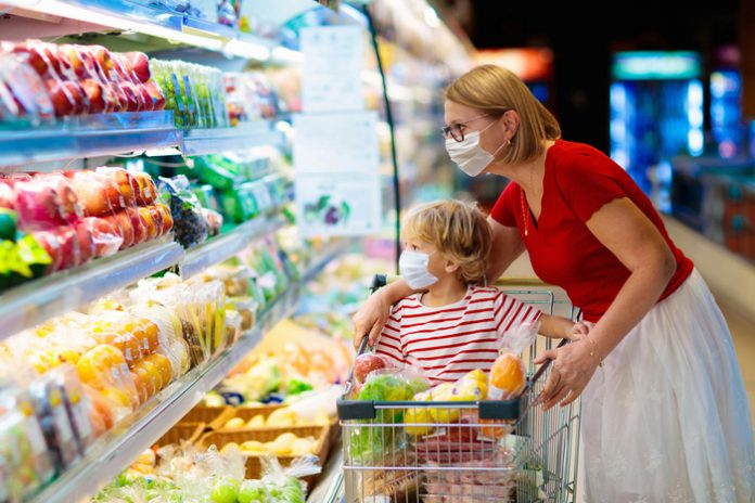 Face masks should remain compulsory in shops, Usdaw union says