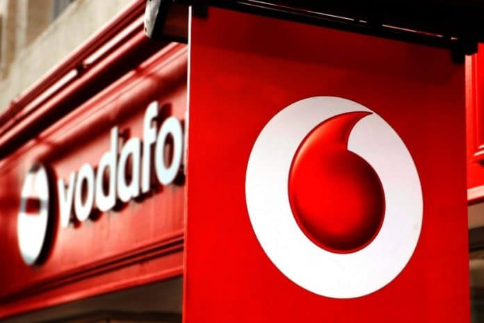 Vodafone defies downbeat high street with plans to open 24 stores