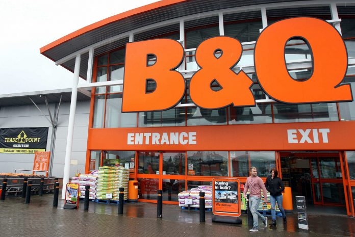 B&Q cut prices