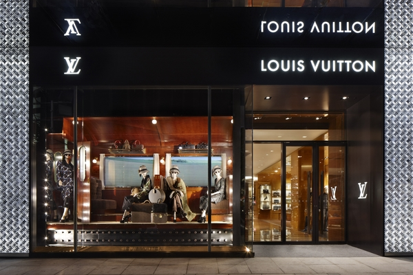 LVMH is planning to recruit 25,000 people under the age of 30 worldwide as part of plans to accelerate its HR and corporate social responsibility policy.