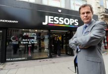 Dragons Den star Peter Jones delays Jessops store portfolio restructuring by 2 weeks