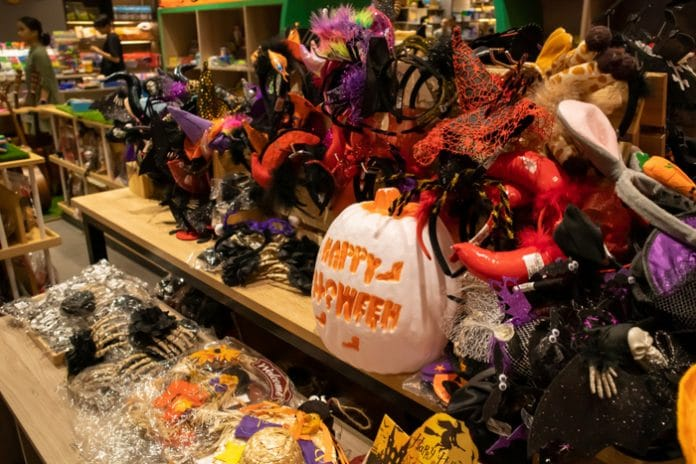 Halloween costumes plastic waste Hubbub