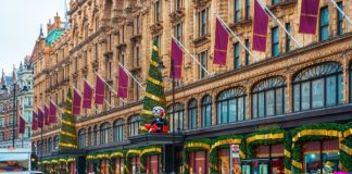 If you want to enter Harrods' Christmas grotto this year then you have to spend at least £2000 in store, leaving many consumers far from impressed.The luxury department store announced that families who want to visit its Swarovski-sponsored Christmas Grotto , which features Santa must spend at least £2,000 in store